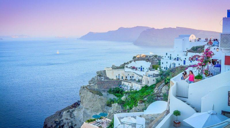 Dlaczego warto polecieć do Grecji?